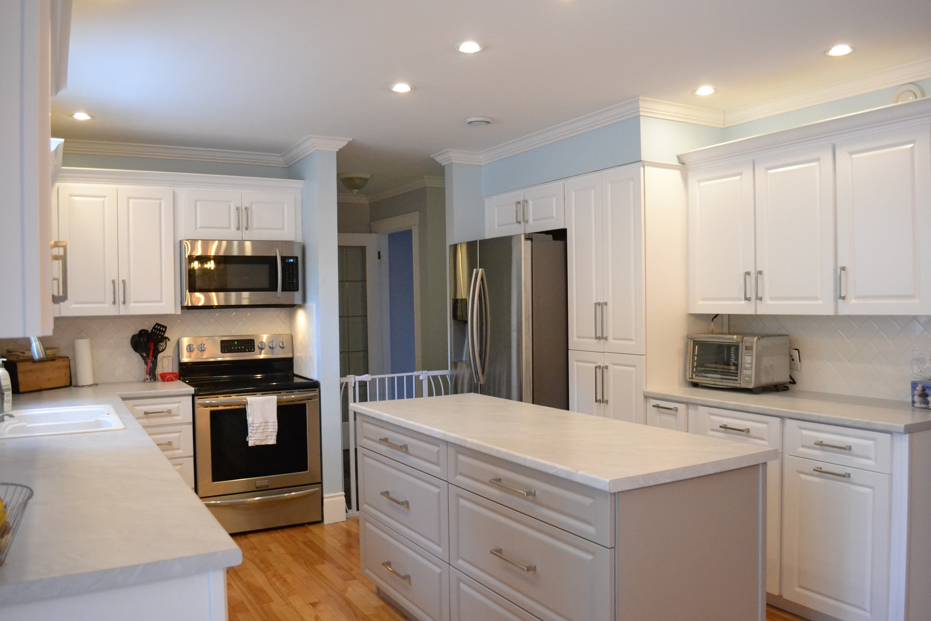 Professional Kitchen Cabinet Refacing Refinishing Painting Mississauga