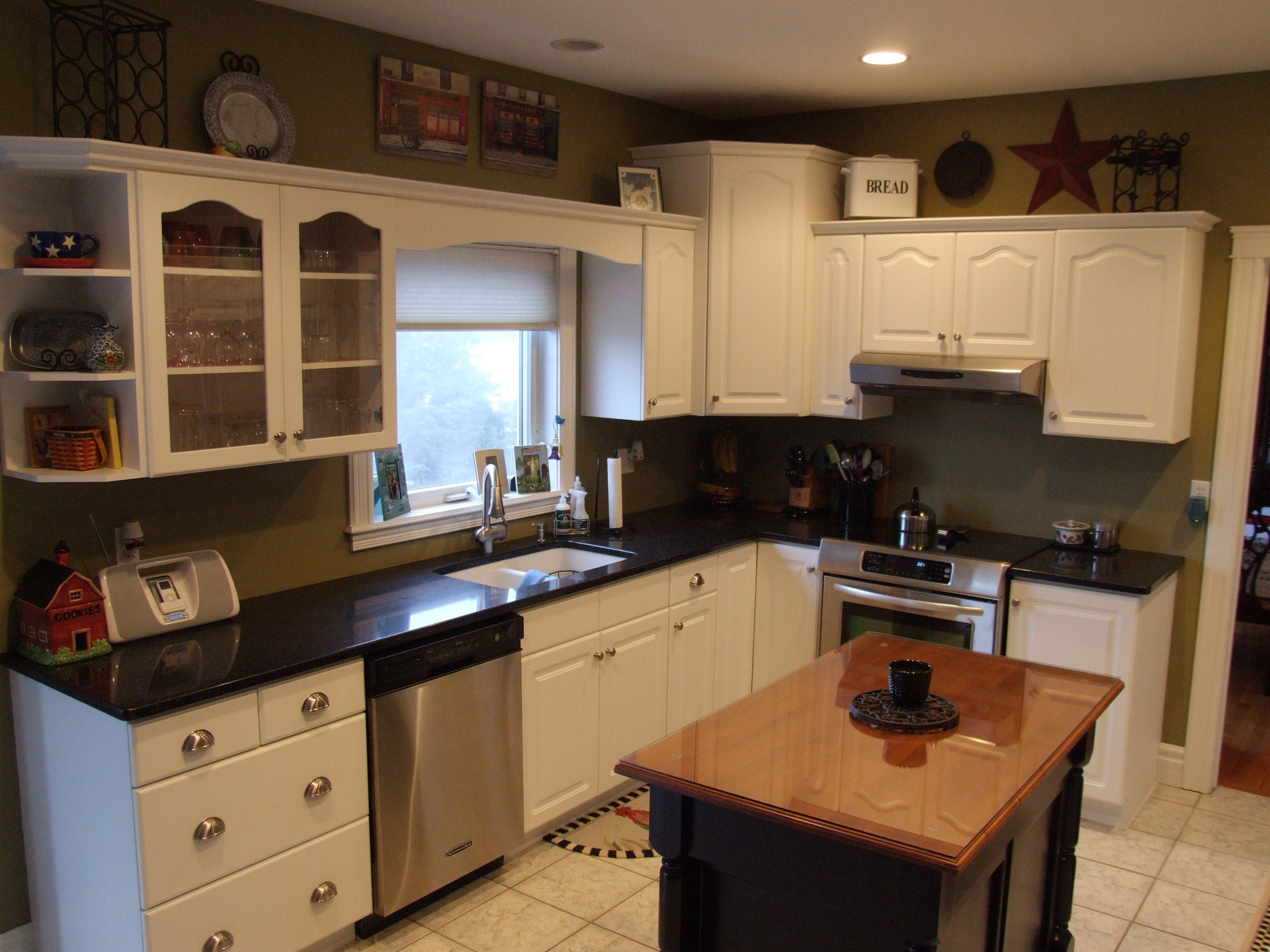 Kitchen Cabinet Refacing fers More Flexibilty And Options